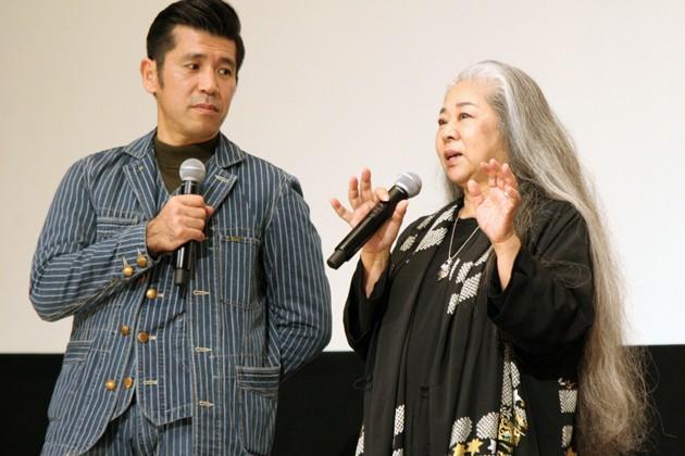 沖縄の離島・粟国島を舞台にした『洗骨』公開直前舞台挨拶
