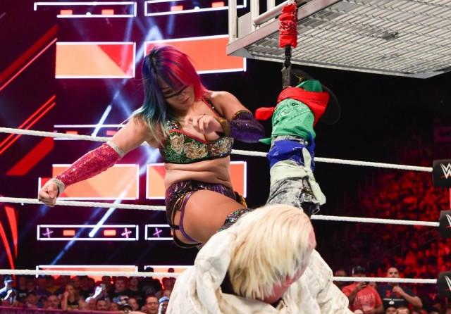 【WWE】アスカ、またしても不意打ちで王座逃す