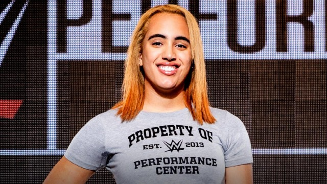 【WWE】ザ・ロックことドゥエイン・ジョンソンの娘がWWEパフォーマンスセンターでトレーニングを開始