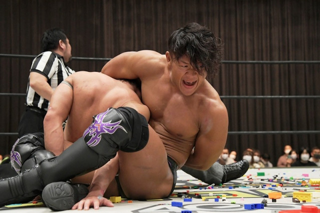 【DDT】K0-D無差別級王者・遠藤哲哉がハードコアスタイルの勝俣瞬馬を破り、「D王」Bブロックで早くも単独首位!