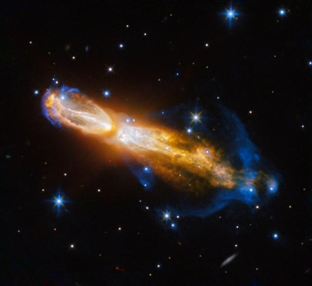 あの「ニオイ」を撒き散らす惑星状星雲