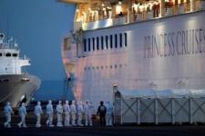 停泊のクルーズ船運航会社、新型肺炎で通年利益に影響へ