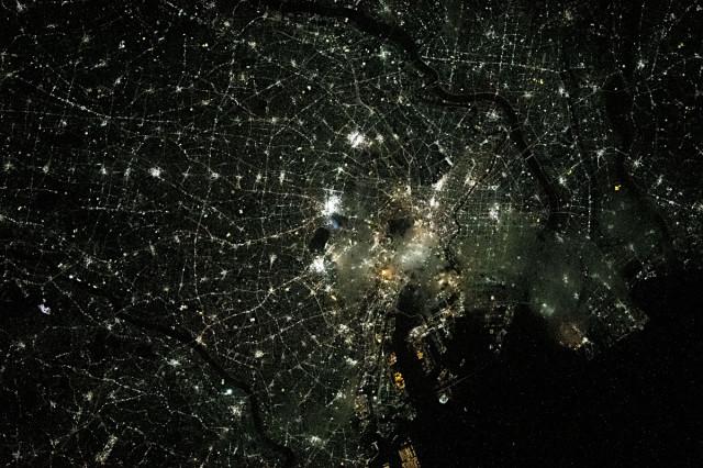 ISSから見た東京の夜景(2021年4月3日撮影)