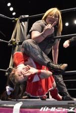 19歳の美少女新人レスラーが世志琥とシングル戦も強烈ラリアットの前に沈む!