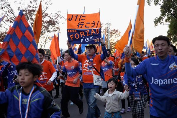 長崎を奇跡のJ1に導いた、高田社長のテレビ通販と似たクラブづくり