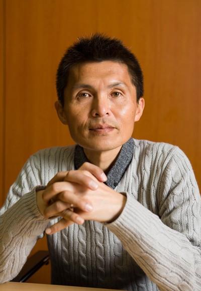 名良橋晃がジョルジーニョから継ぎ、内田篤人に渡した「2」への思い
