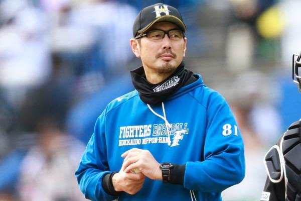 投手コーチ・吉井理人の指導の軸は「チームの勝利よりも選手の幸せ」