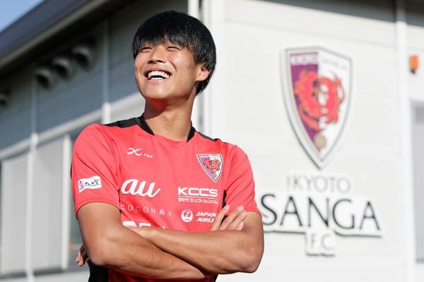 堂安律のように海外リーグに行きたい岩崎悠人。「もう20歳ですから」