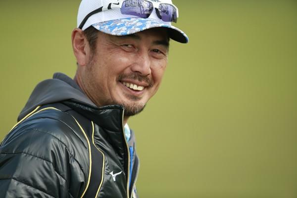 吉井理人が説くコーチングの極み。選手との「振り返り」がひと味違う
