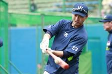 畠山は引退危機から救われた。監督・コーチ・選手が語る「青木効果」