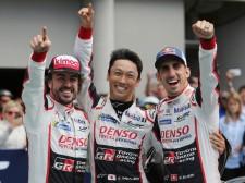 お客さんではなかったアロンソ、深夜の激走でトヨタがル・マン初制覇